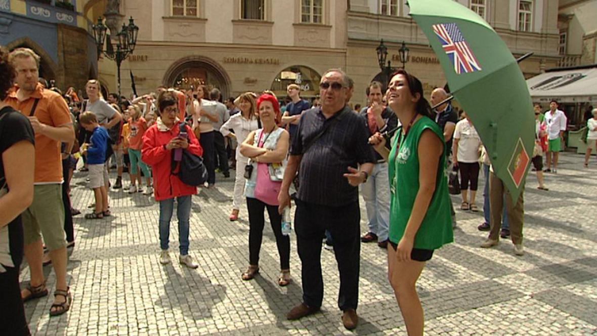 Turistická skupina v centru Prahy