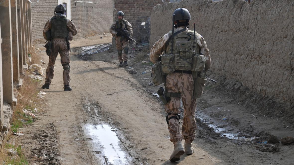 Vojenská hlídka v okolí Bagrámu