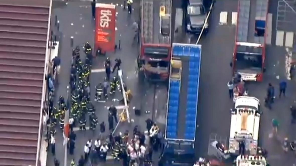 Srážka autobusů na Times Square