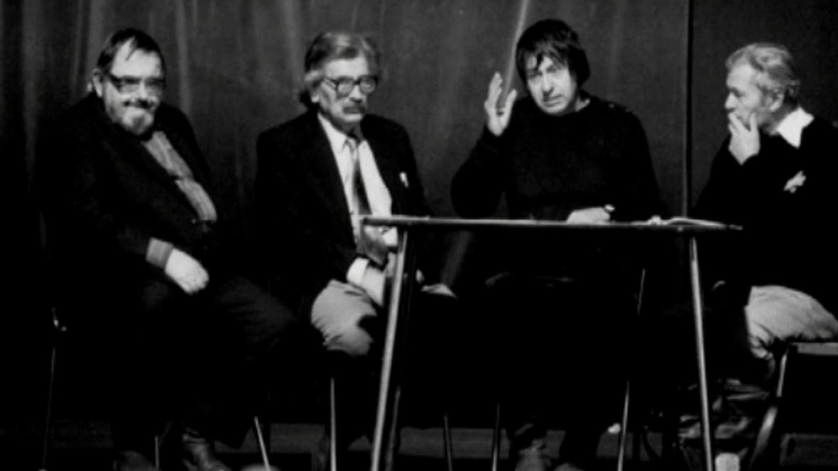 Členové PEN klubu v roce 1989