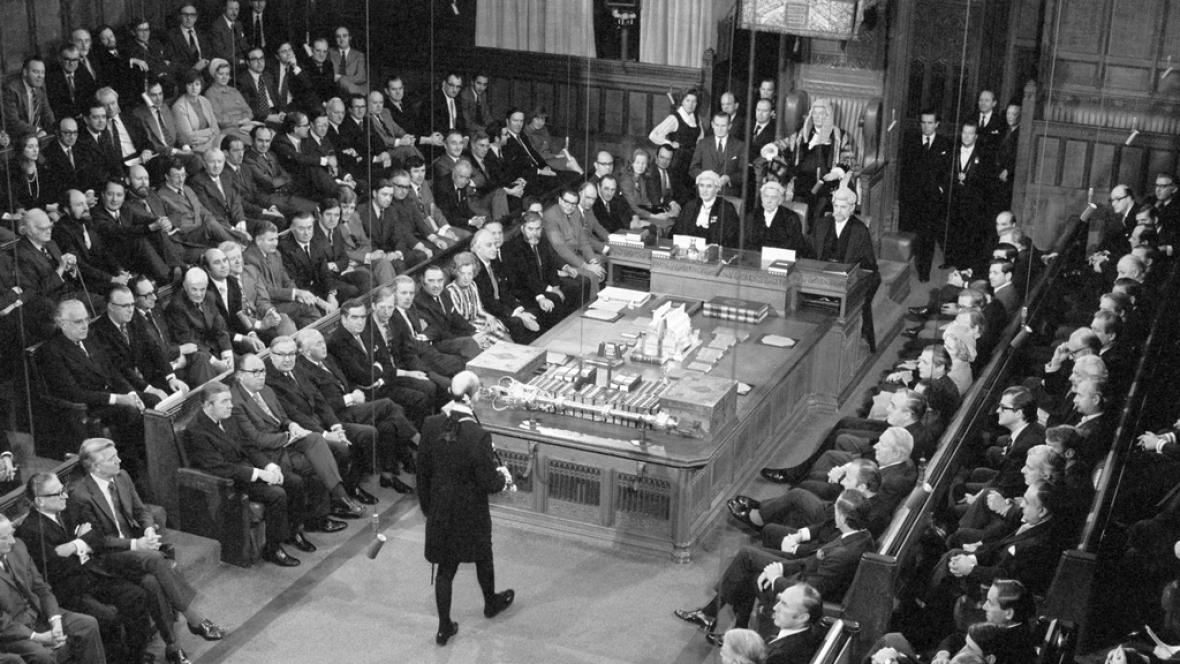 Dolní sněmovna britského parlamentu, rok 1974