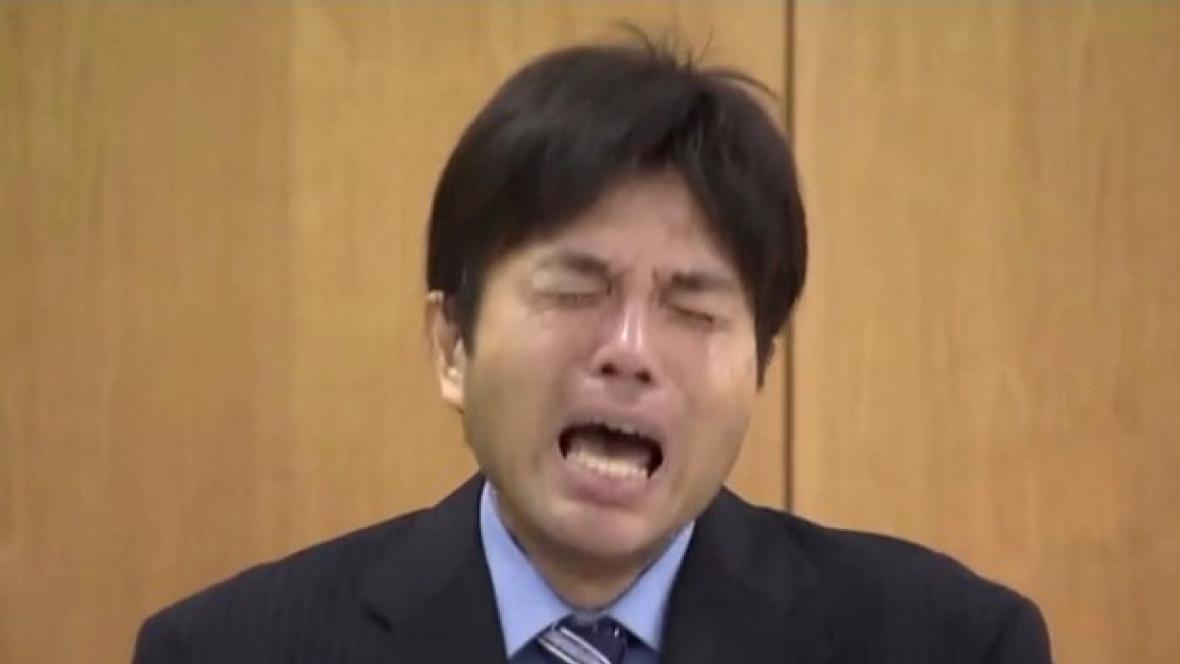 Plačící Japonec