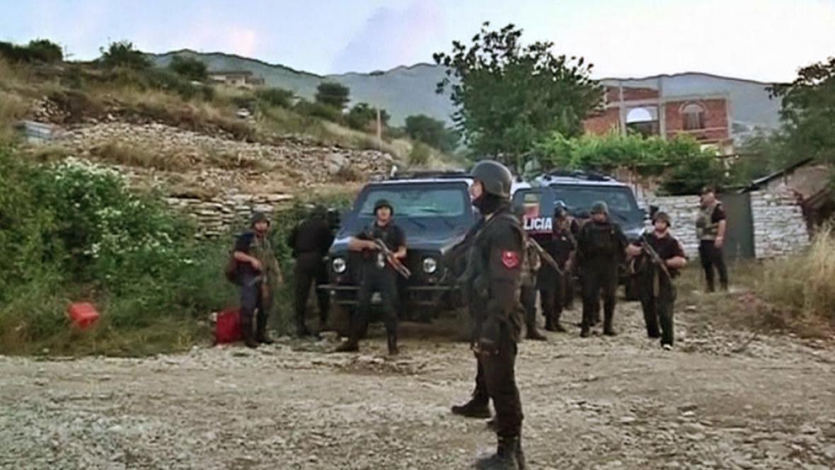 Policejní zátah v albánském Lazaratu