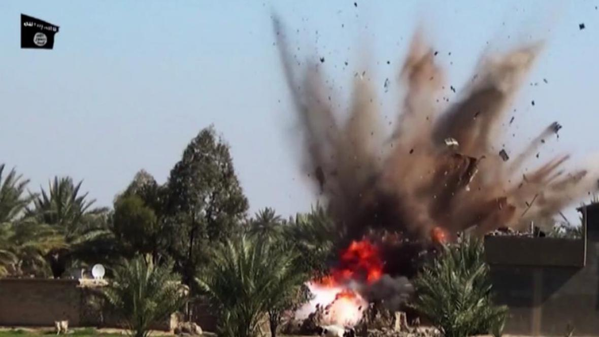 Záběry zveřejněné teroristickými skupinami