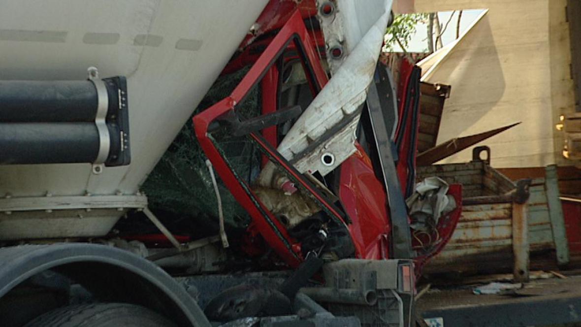 Nehoda na D11