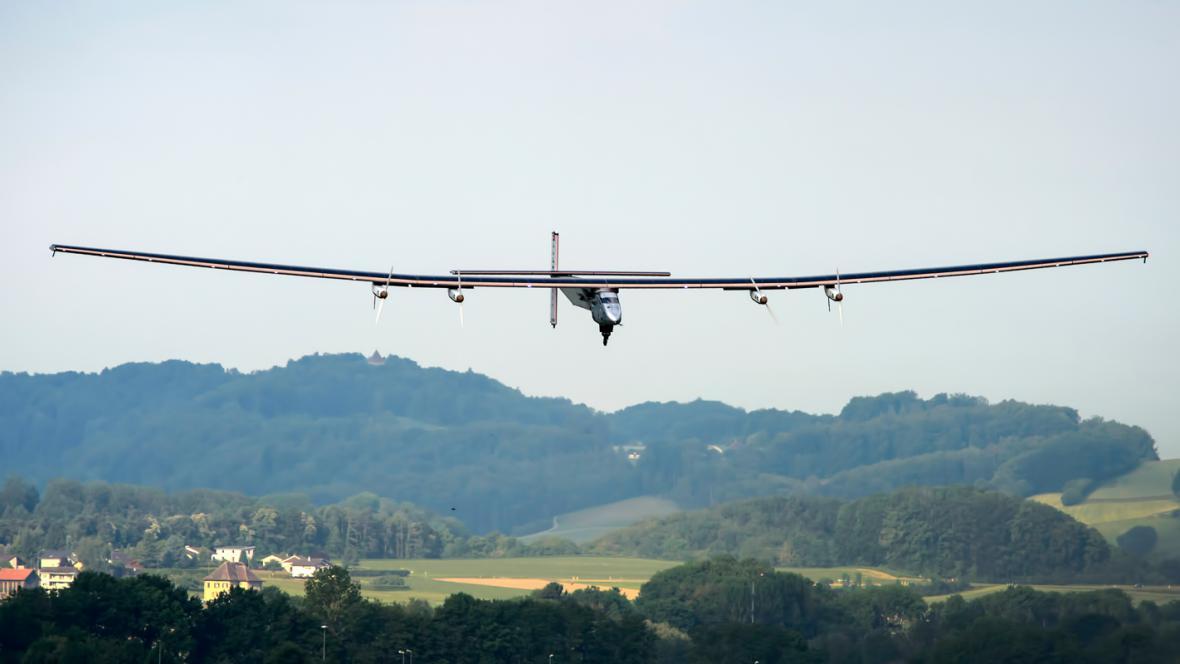 Solar Impulse 2 na prvním zkušebním letu