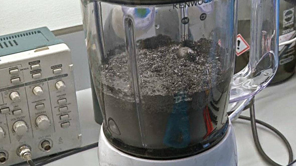 K výrobě grafenu stačí obyčejný mixér