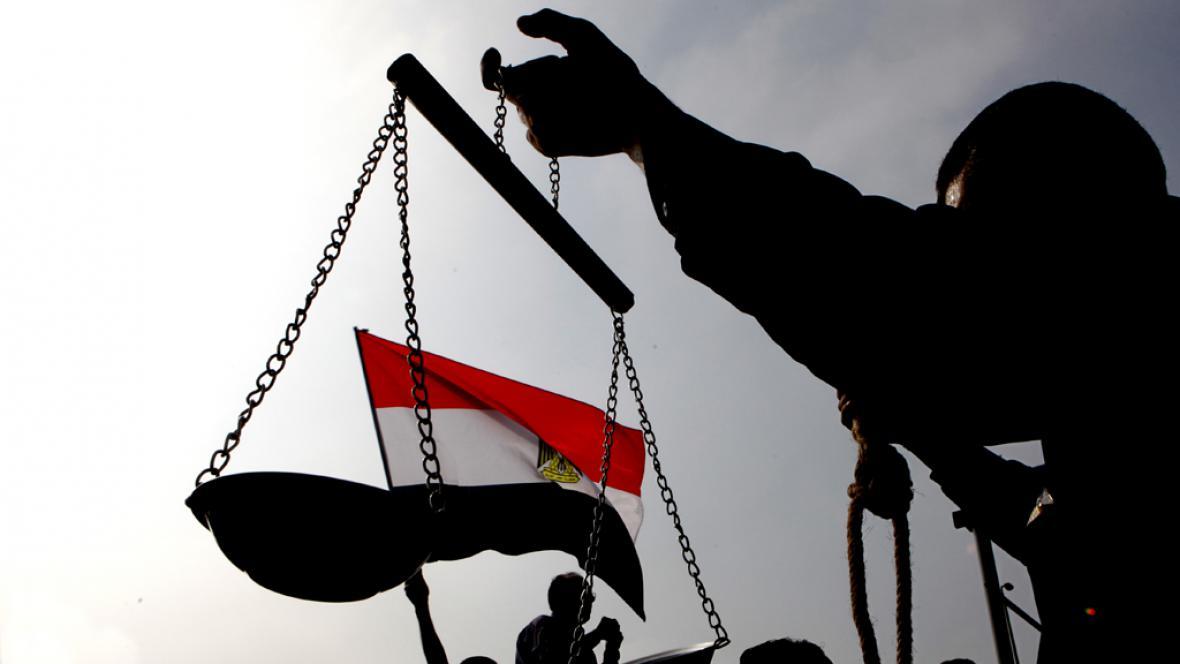 Demonstranti žádající spravedlivý soud pro Mubaraka
