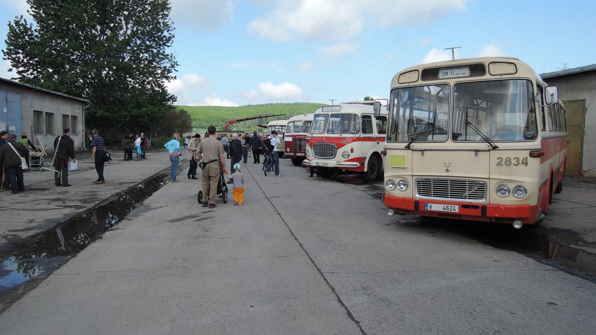 Výstava historických vozidel Technického muzea Brno