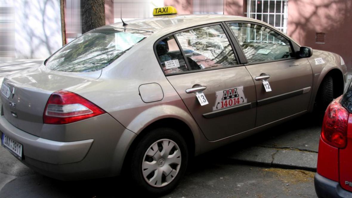 Vůz, který patřil jednomu ze zavražděných taxikářů
