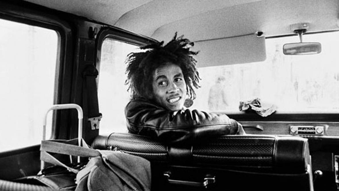Dennis Morris / Bob Marley (první fotografie)