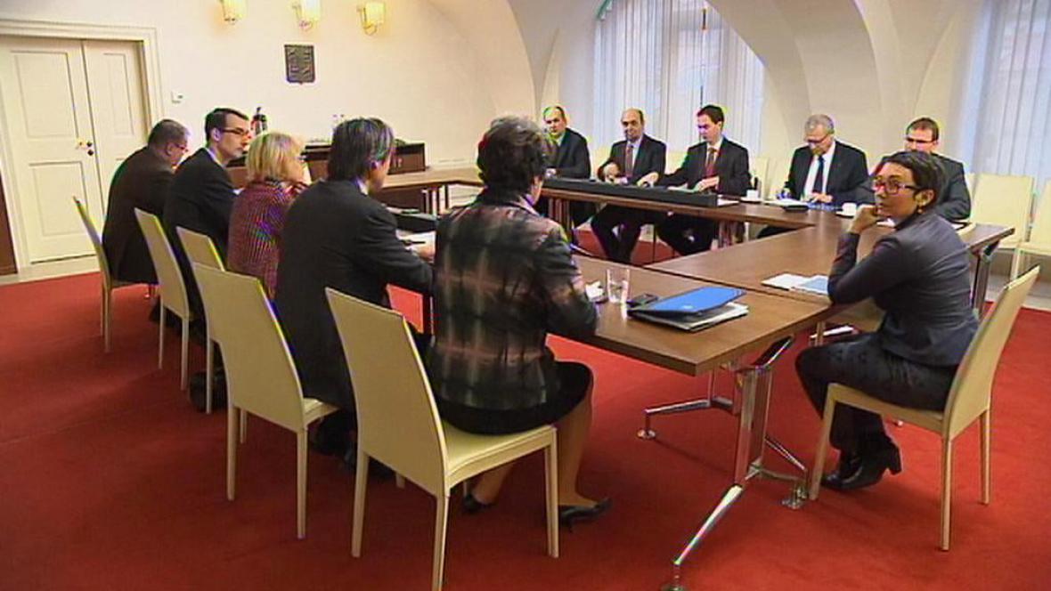 Expertní komise k otázce revize církevních restitucí