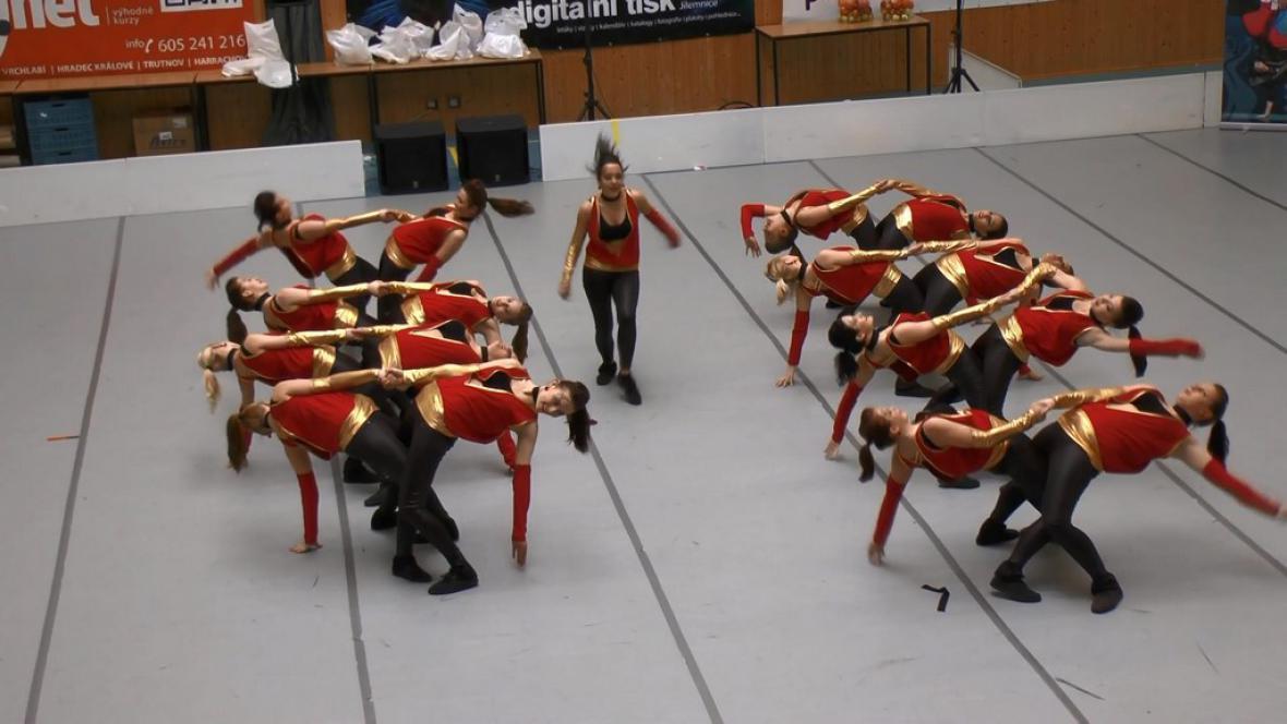 Taneční vystoupení na soutěži v Jilemnici