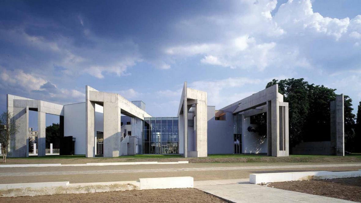Stavba architekta Zvi Heckera