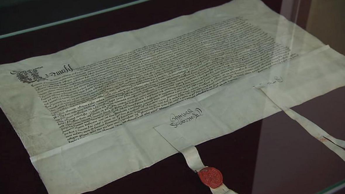 Originál smlouvy krále Jiřího s Francií