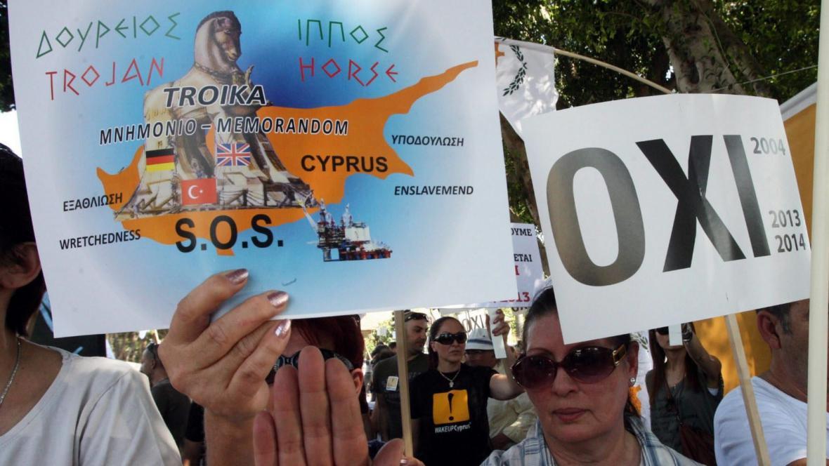 Kypřané protestují proti záchrannému plánu
