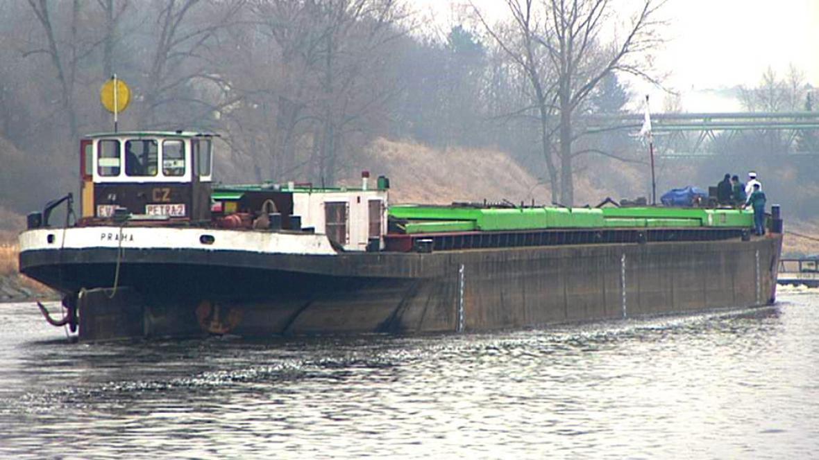 Stará nákladní loď