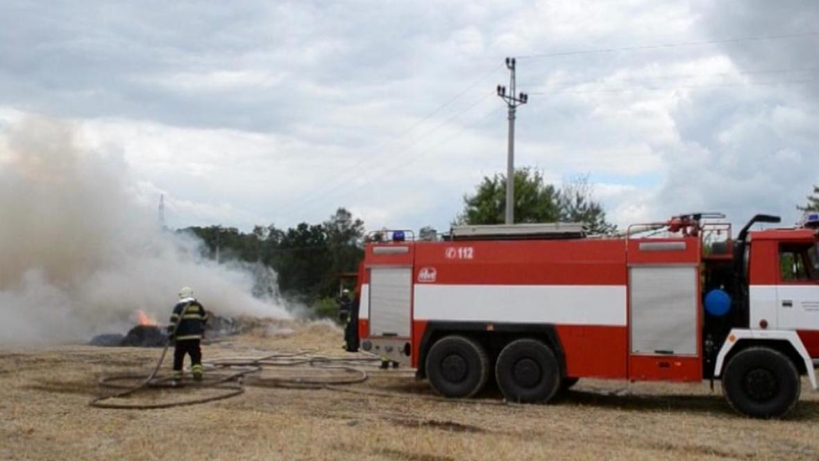 Požár na poli