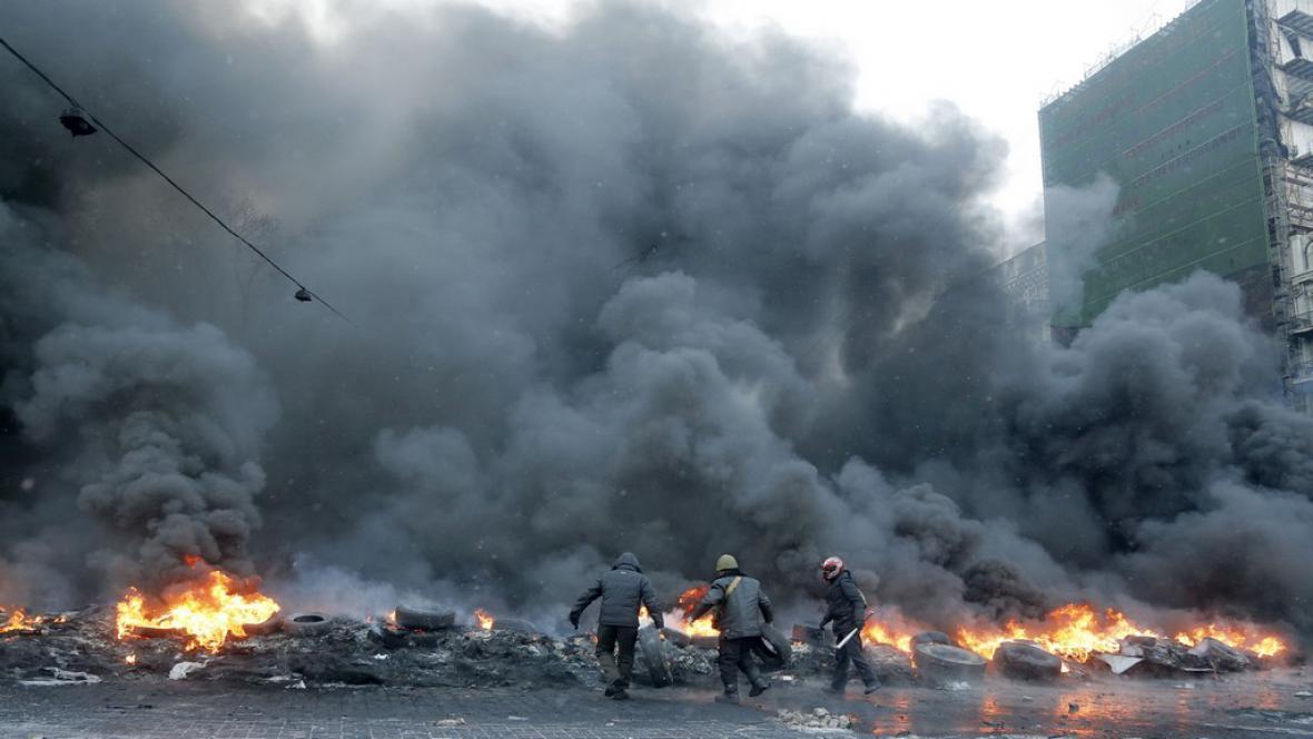 Potyčky v Kyjevě pokračují