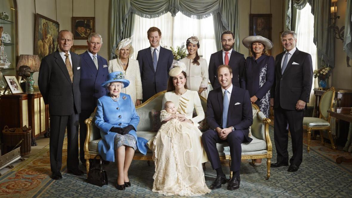 Křtiny prince George - oficiální fotografie