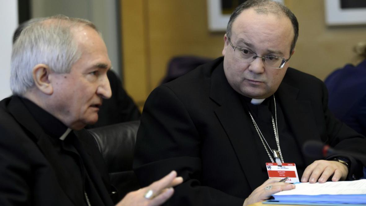 Arcibiskup Silvano Tomasi a bývalý prokurátor Charles Scicluna