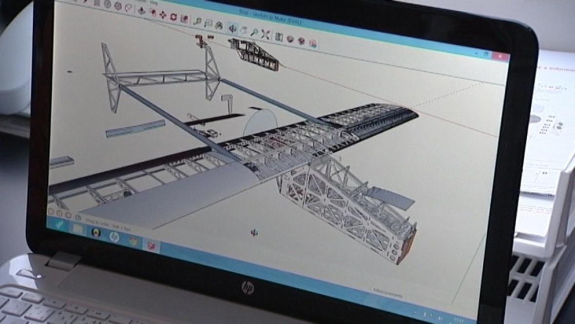 Studenti VŠB staví letadlo