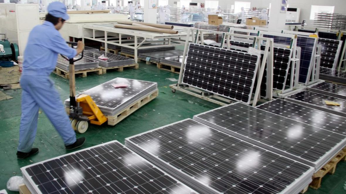 Výroba solárních panelů v Číně