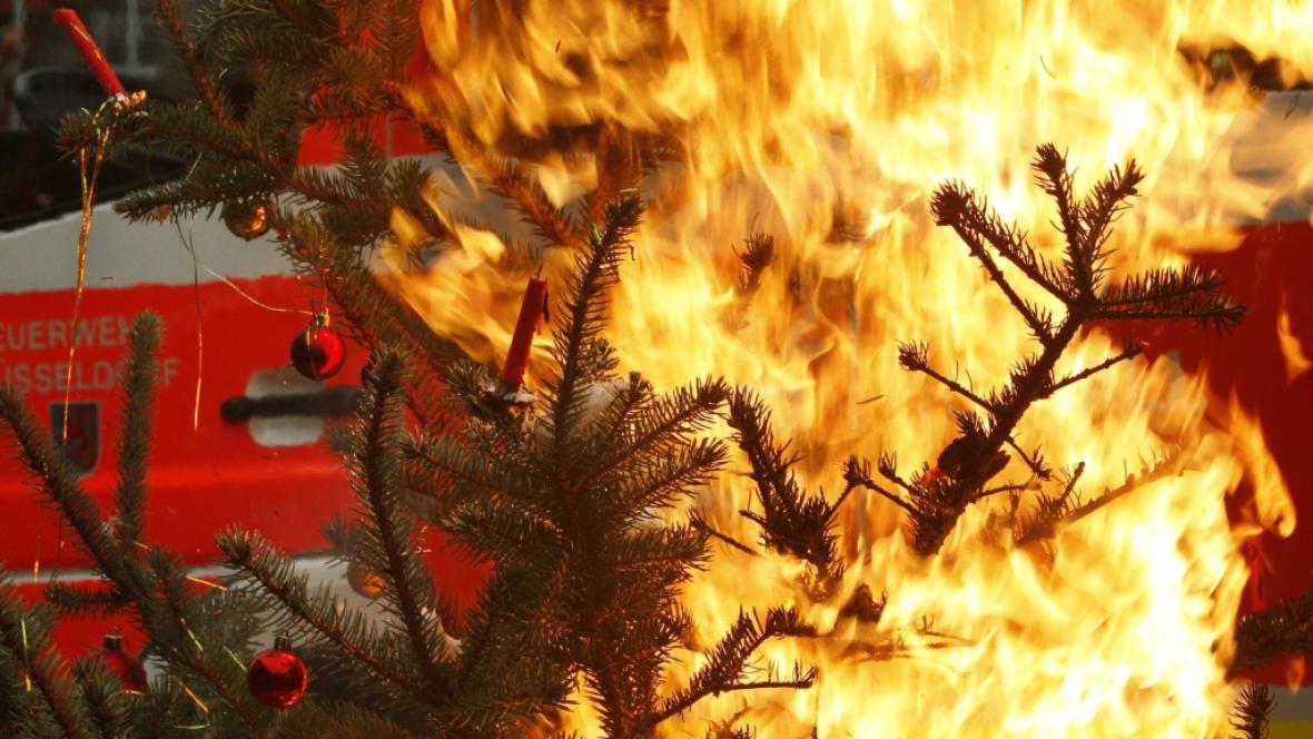 Požár vánočního stromku