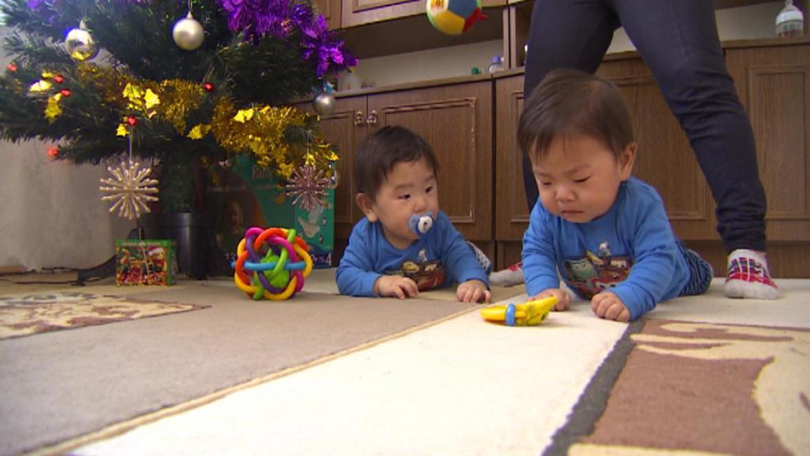 Zadlužená mongolská dvojčata