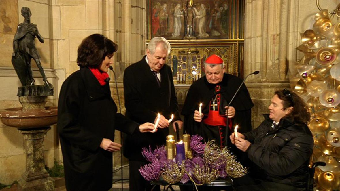 Adventního koncertu se zúčastnili i prezident Miloš Zeman a arcibiskup Dominik Duka