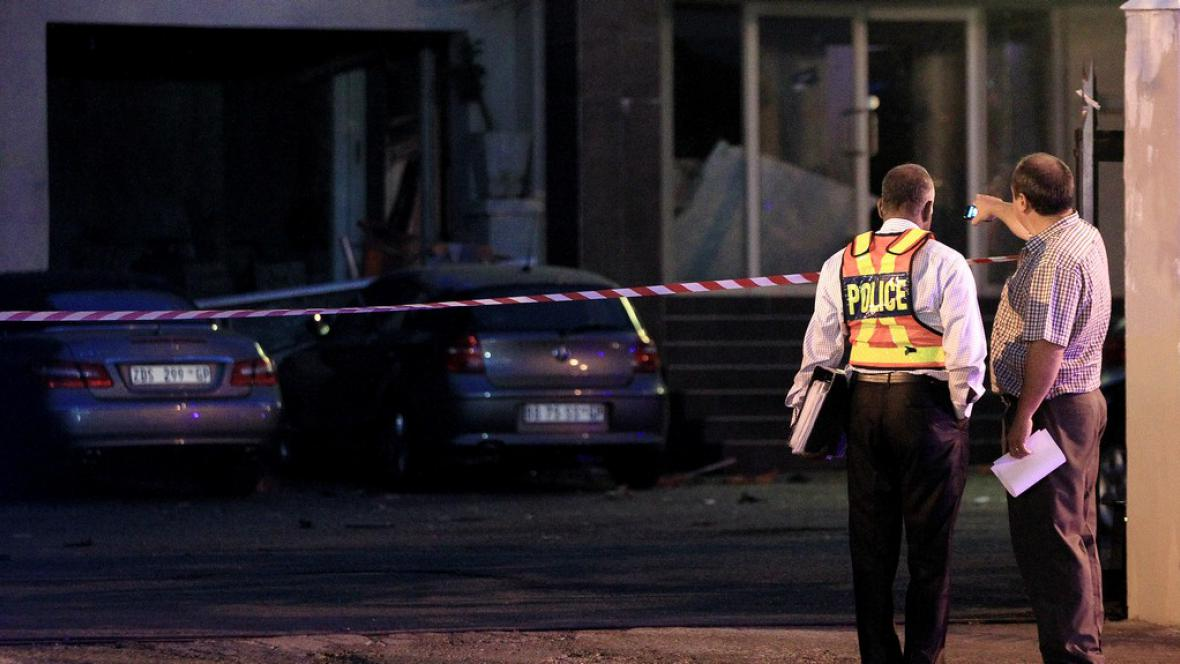 Výbuch před Krejčířovým obchodem