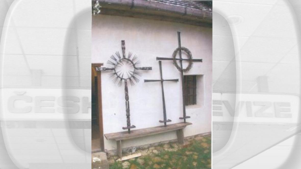 Ukradené kříže