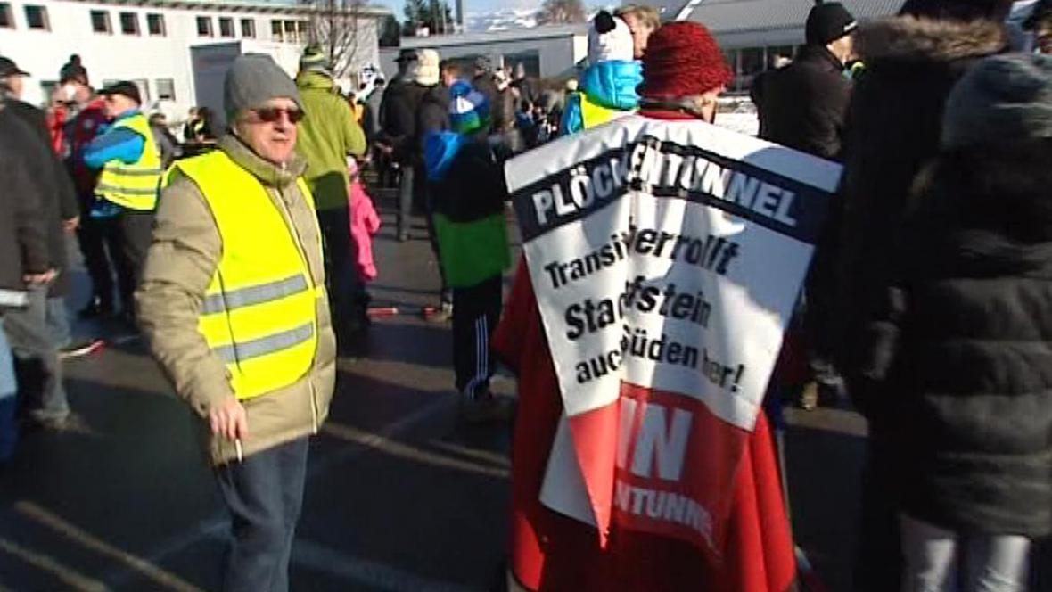 Protest u dálnice A12 poblíž Kufsteinu