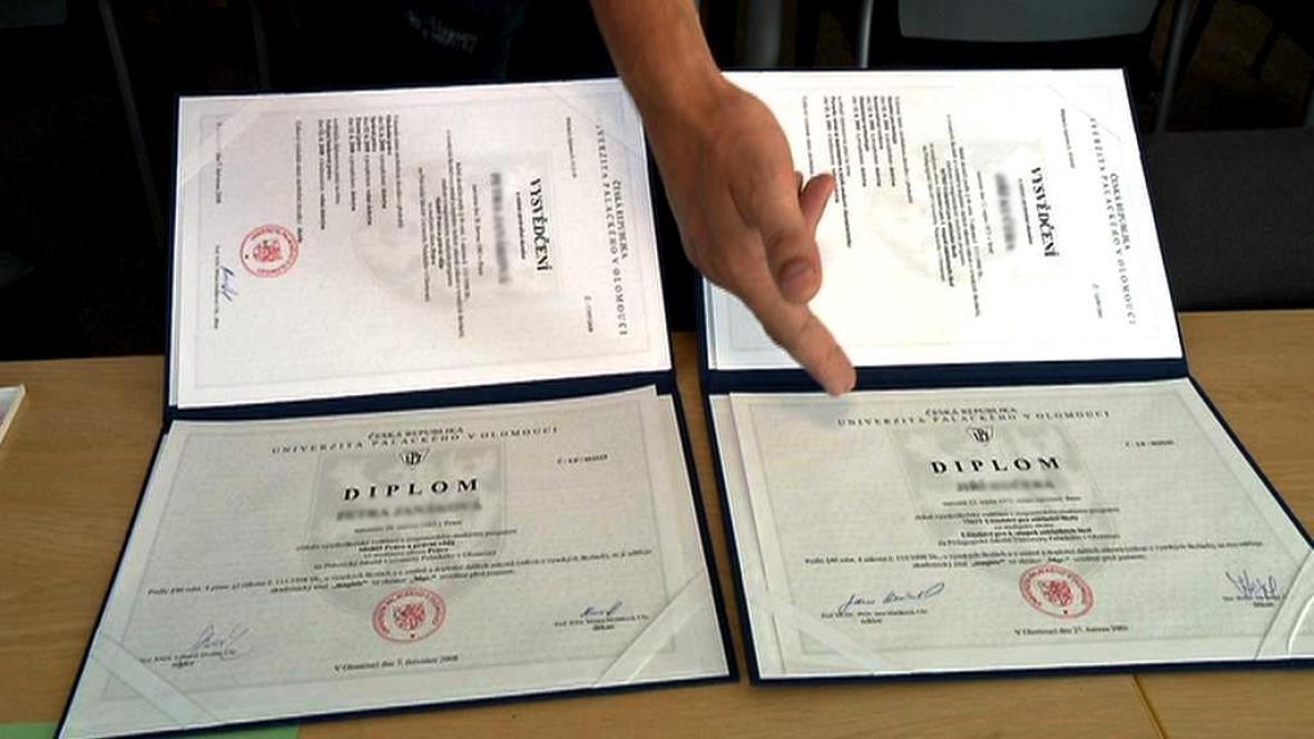 Vysokoškolské diplomy