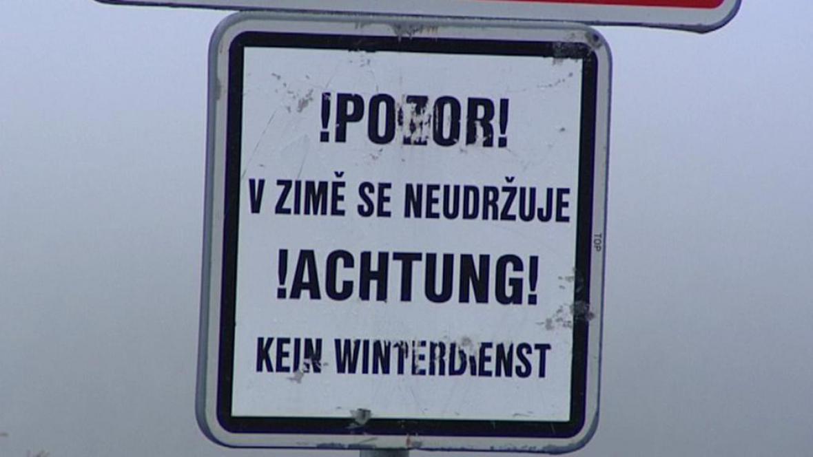 Dvojjazyčná dopravní značka