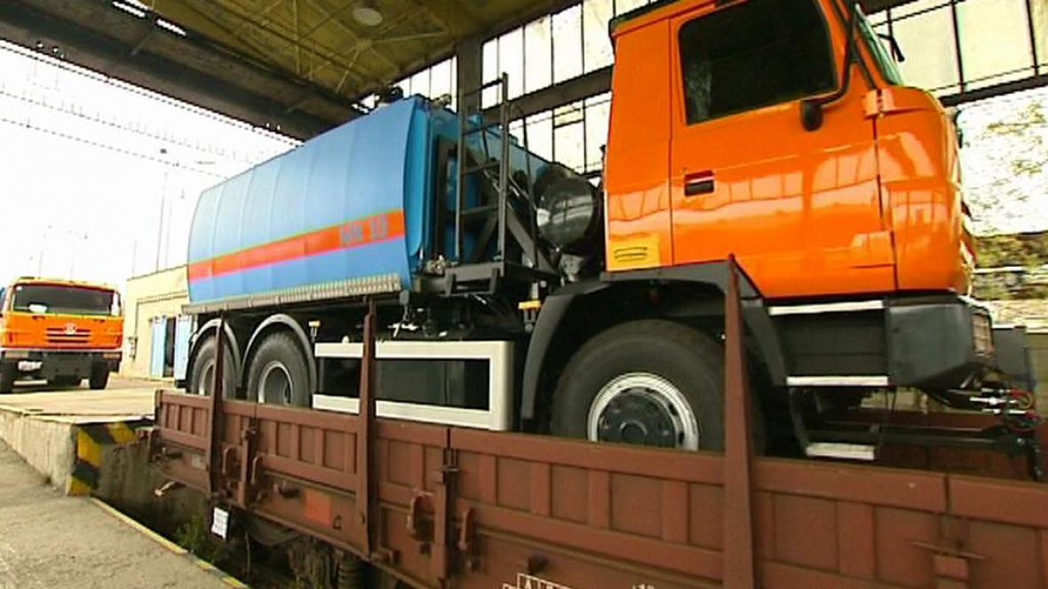 Zásilka kopřivnické automobilky Tatra mířící do Ázerbájdžánu