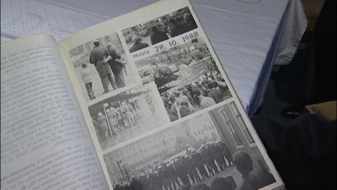 Dokument mapující rok 1989