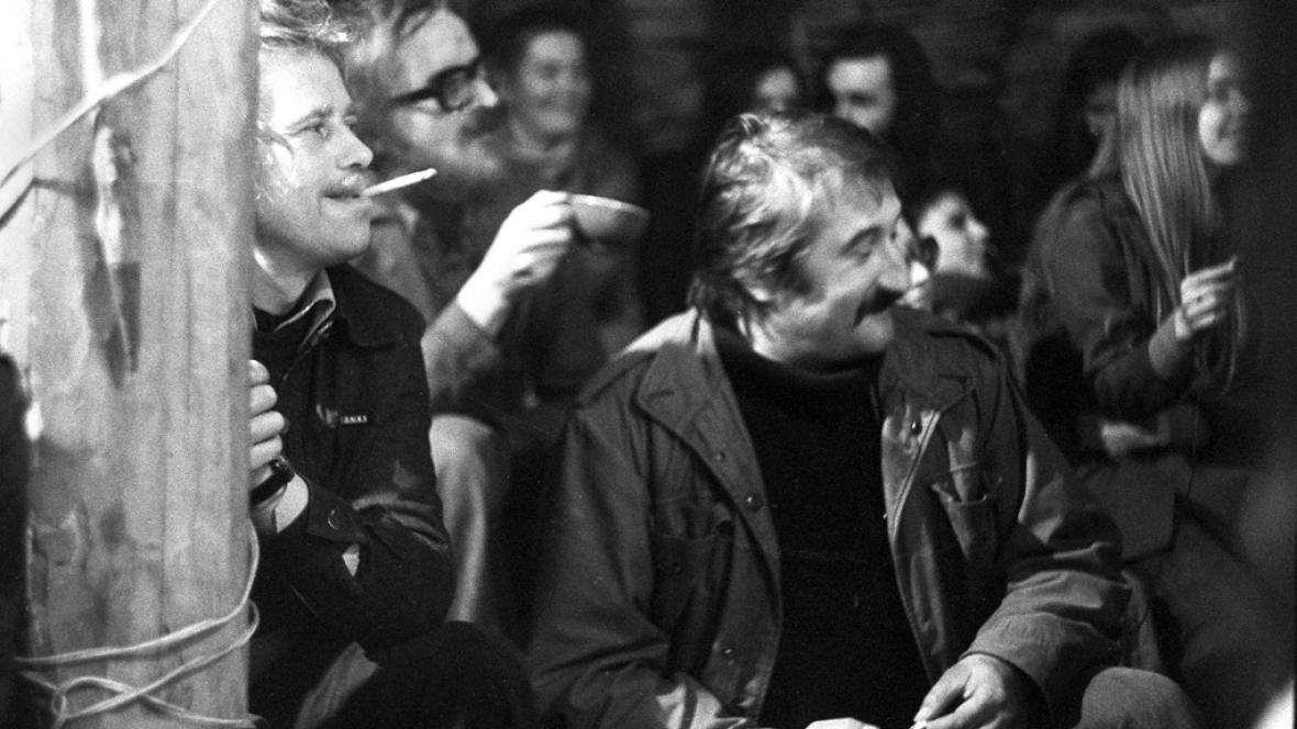 Pavel Landovský a Václav Havel na Hrádečku