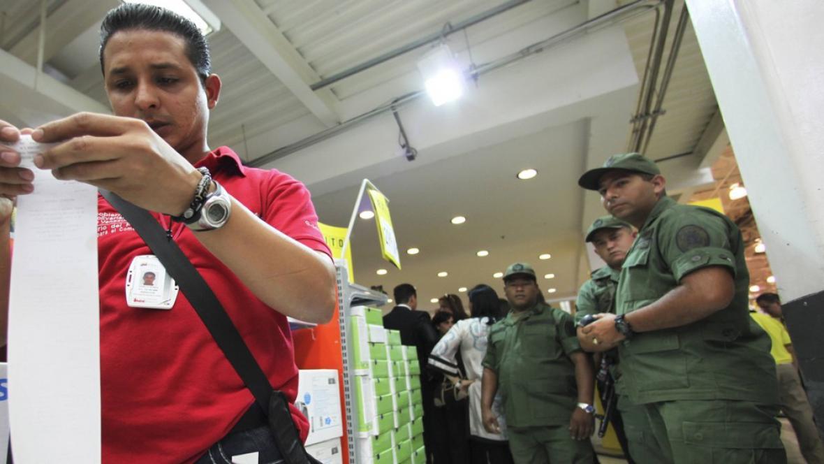Venezuelský supermarket - kontrola