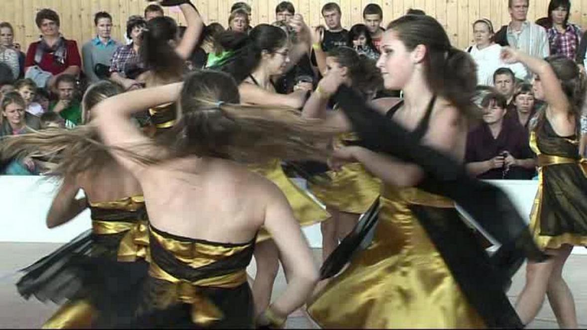 Taneční vystoupení na Sedmikvítku