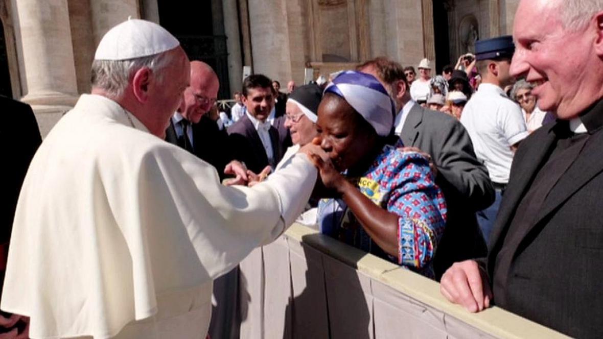 Sestra Angelika u papeže