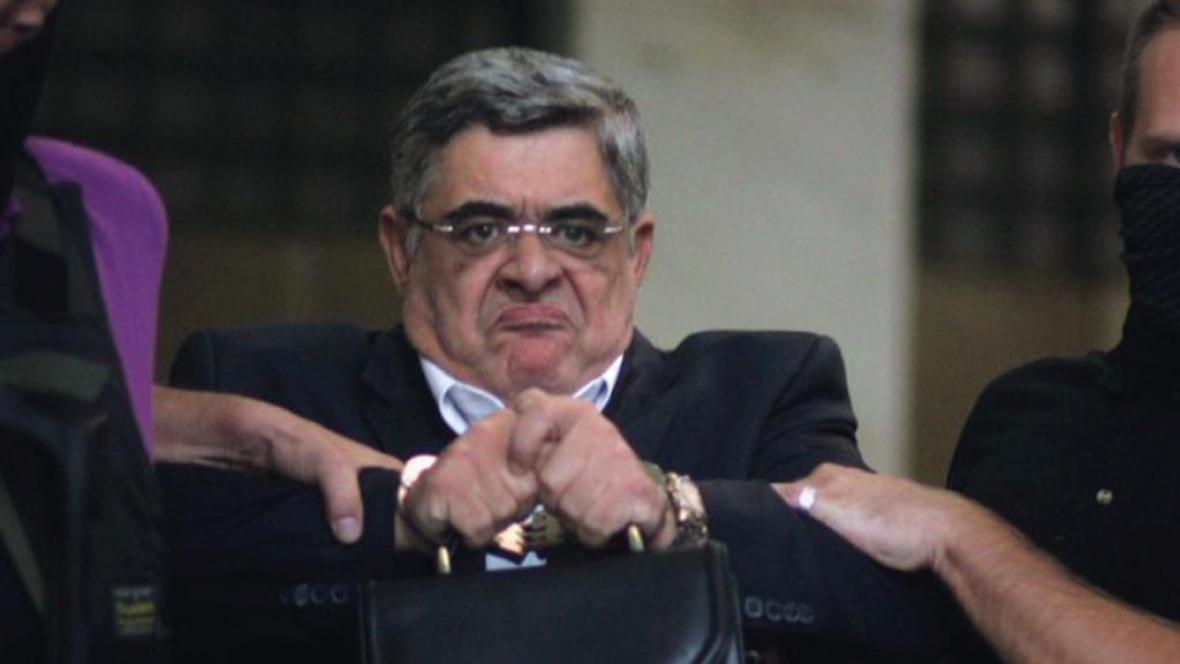 Vůdce Zlatého úsvitu Nikolaos Michaloliakos