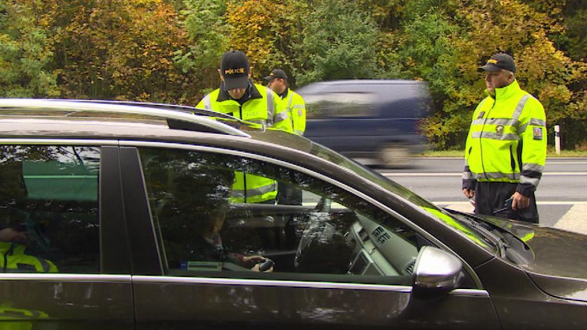 Policejní kontrola na D8