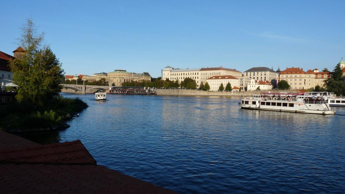 Praha / pohled z Kampy