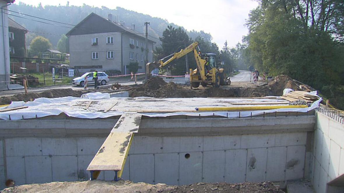 Oprava silnice v Želízech