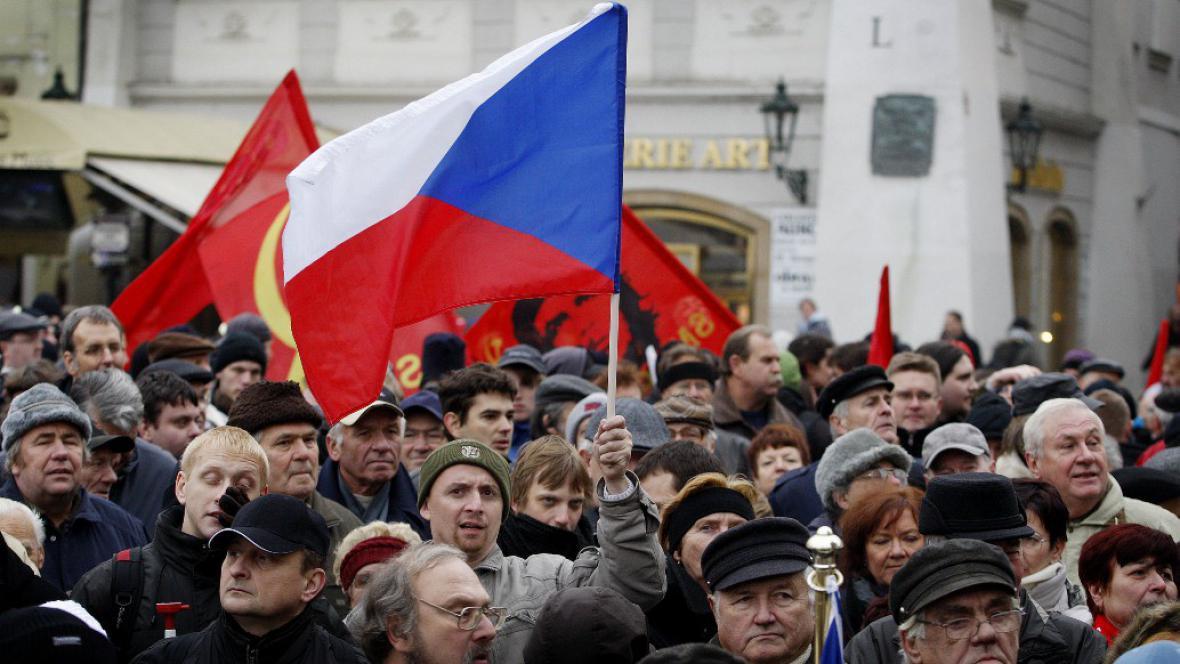 Happening pohřbívání demokracie, 17. listopadu 2011