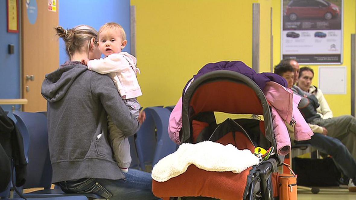 Za děti zřejmě nemocnice vybírat nebudou