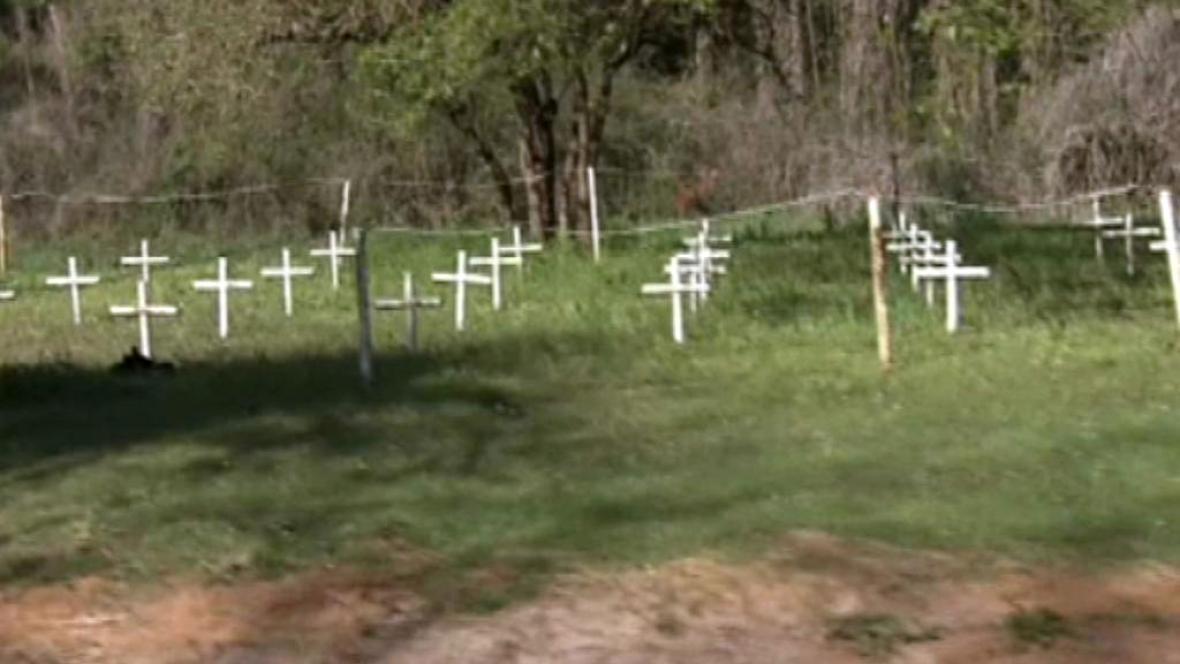 Hroby u floridské chlapecké školy AGDS