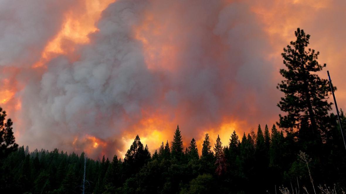 Požár v Yosemitech
