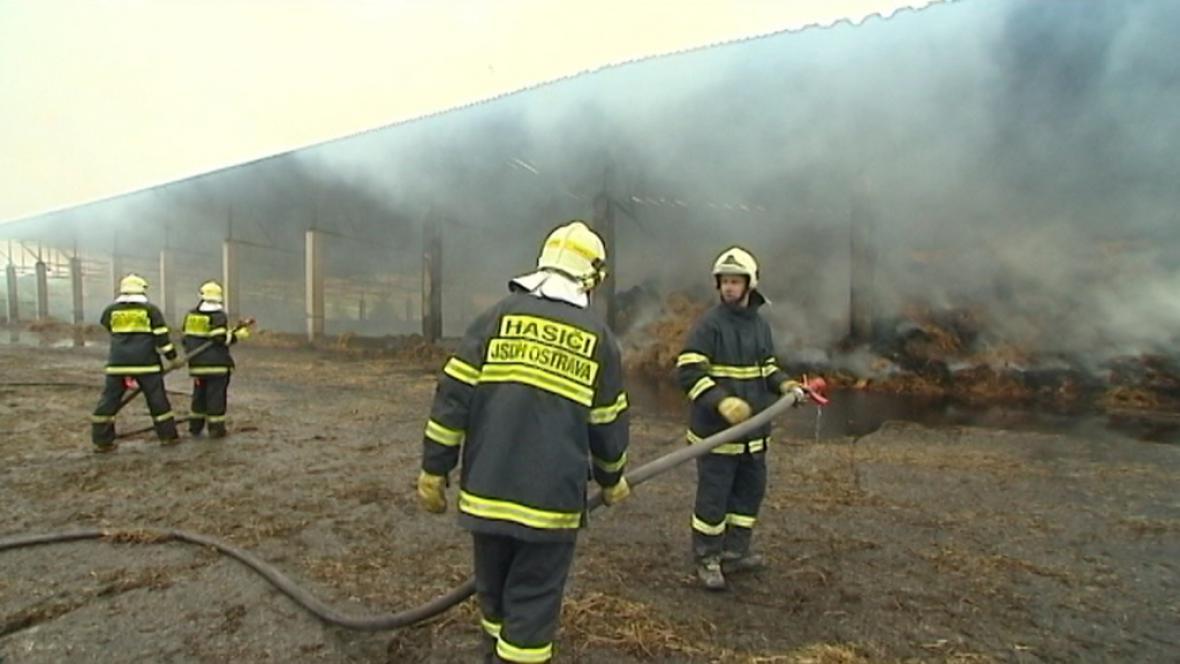 Požár seníku okraji Ostravy-Poruby